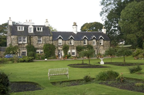 Creebridge House Hotel: Lovley old stone building.