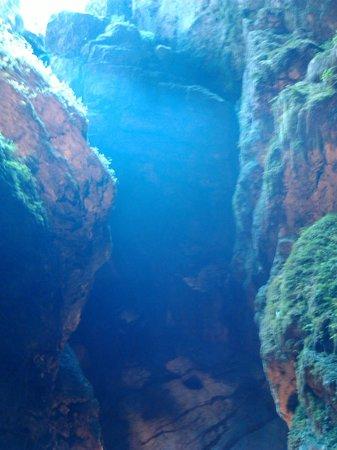 Grotta di Val De' Varri