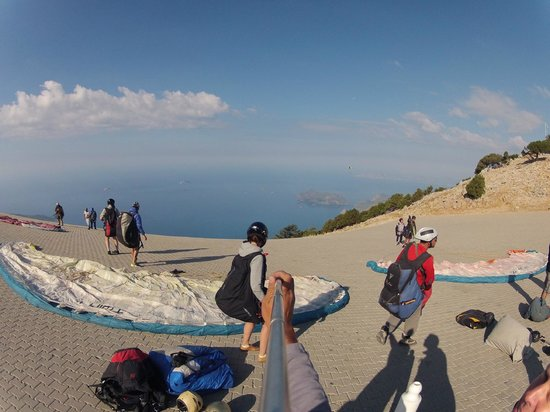 Airborne Paragliding: start off