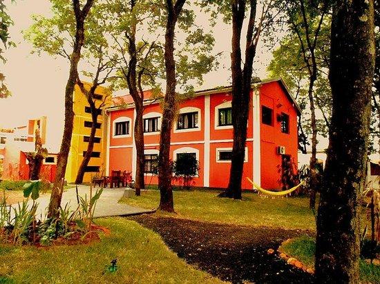 Elegance Palace Hotel: amplio patio recreativo, que te sugiere el descanso...