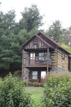 Fort Lewis Lodge : One of the cabins
