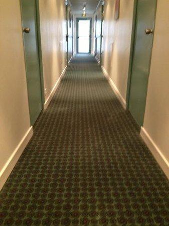IBIS LANNION COTE DE GRANIT ROSE : corridoio interno