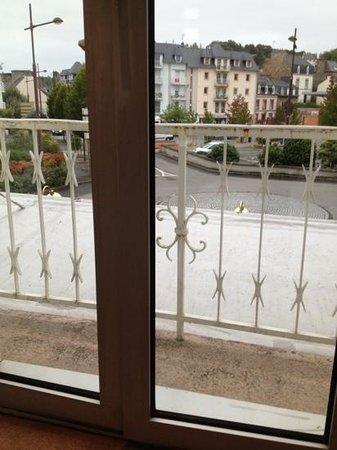 IBIS LANNION COTE DE GRANIT ROSE : balcone