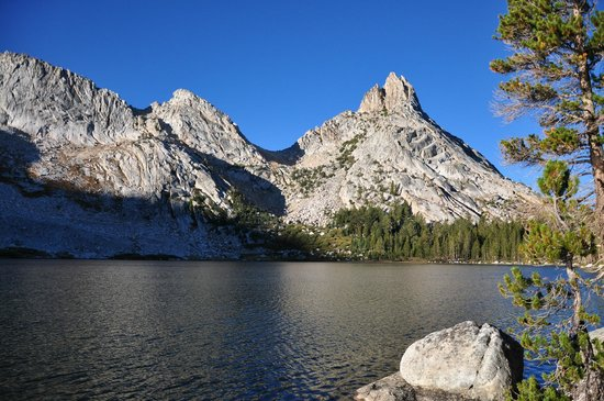 YExplore Yosemite Adventures - Day Tours : Young Lakes