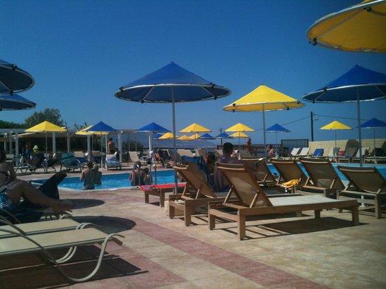 smartline Vasia Village: Pool area