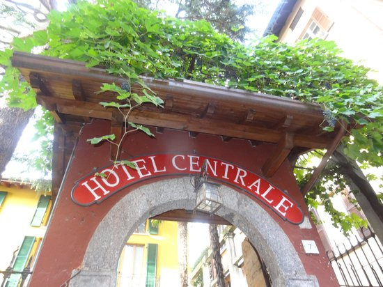 Hotel Centrale: entrance