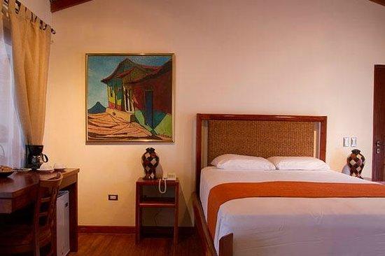 Hotel Estrada: Comfort room