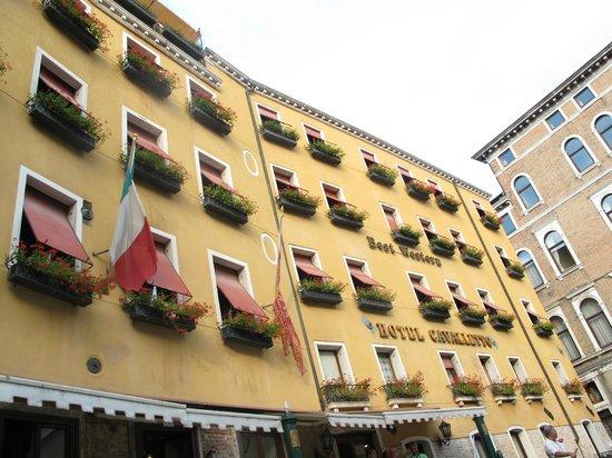 Cavalletto & Doge Orseolo : vista del exterior del hotel desde la góndola