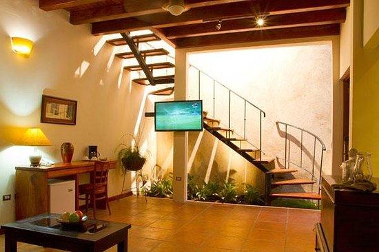 Hotel Estrada: Loft - Living area