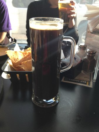 Gella's Diner & Lb. Brewing Co.: Oatmeal Stout