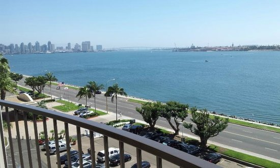 Sheraton San Diego Hotel & Marina : nice view of harbor and distant downtown