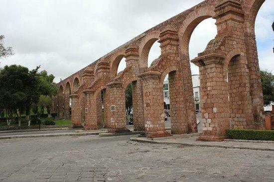 El Cubo Aqueduct