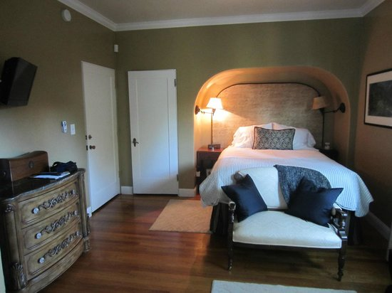 Bridge House Bed and Breakfast: Dog Creek Room