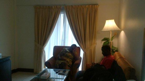 Al Nakheel Hotel Apartments: The lounge