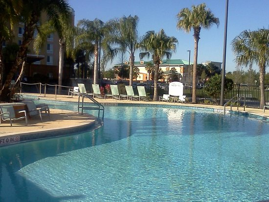 Fairfield Inn & Suites Orlando at SeaWorld: Pool