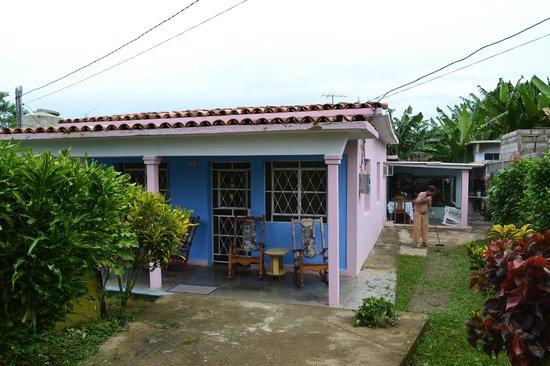 Villa Yohan: Vista exterior