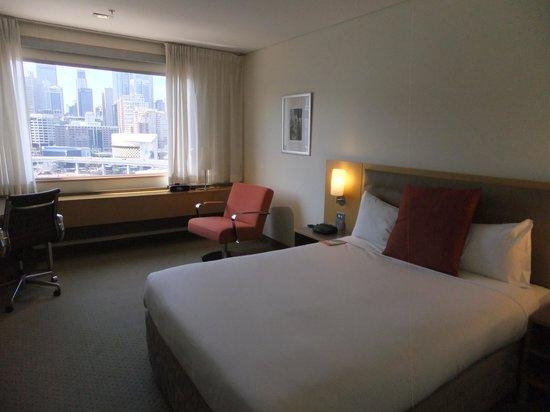 Novotel Sydney on Darling Harbour : The room
