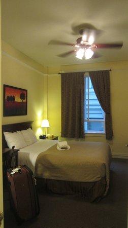 Baldwin Hotel: View of room from bathroom