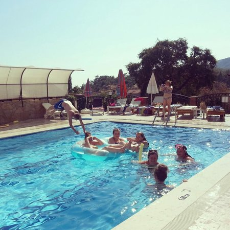 California Apart Hotel: pool