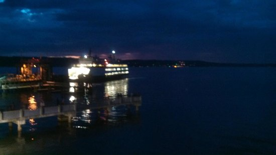 Silver Cloud Inn Mukilteo – Waterfront : Whidbey Island Ferry Watching