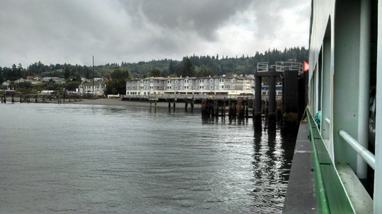 Silver Cloud Inn Mukilteo – Waterfront : Hotel From Ferry