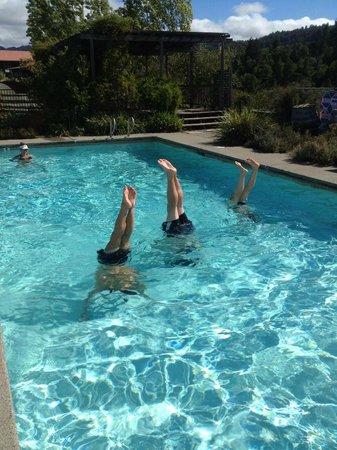 Mayacamas Ranch: Fun at the pool