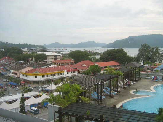 Bayview Hotel Langkawi: kuah town and pool