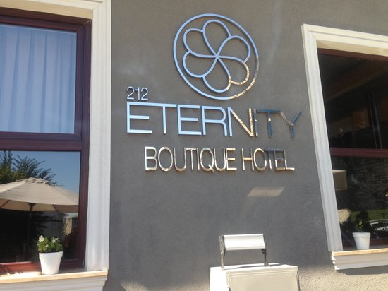 Eternity Boutique Hotel : Entry