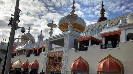 Comfort Inn & Suites West Atlantic City: Trump Taj Mahal - Our next stay