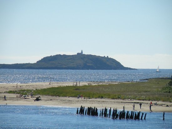 Fort Popham State Historic Site : Looking south to Seguin Island Lighthouse