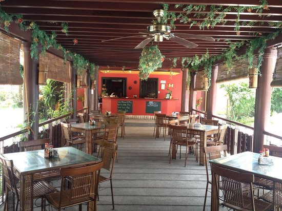Oasis Cafe & Restaurant: Our newly renovated restaurant