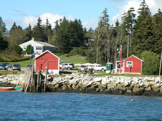 McLoons Lobster Shack : McLoon's Lobster Shack from the water!