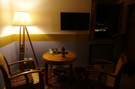 Santa10 : The room
