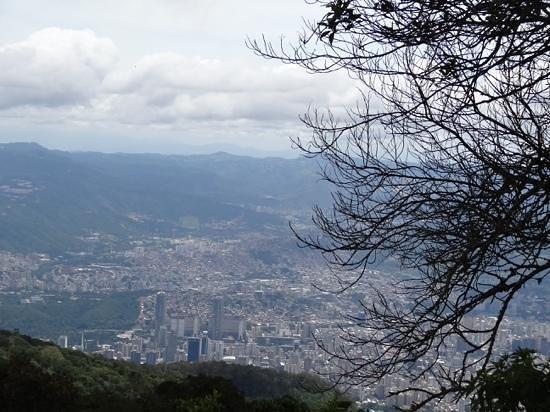 Parque Nacional el Avila: Caracas desde el mirador