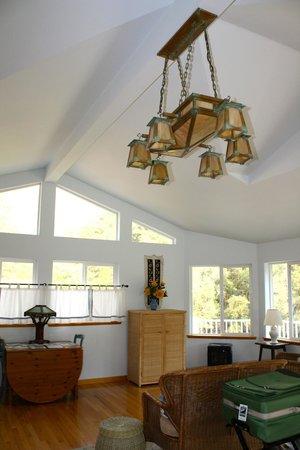 Yosemite Blue Butterfly Inn: Sunflower Suite