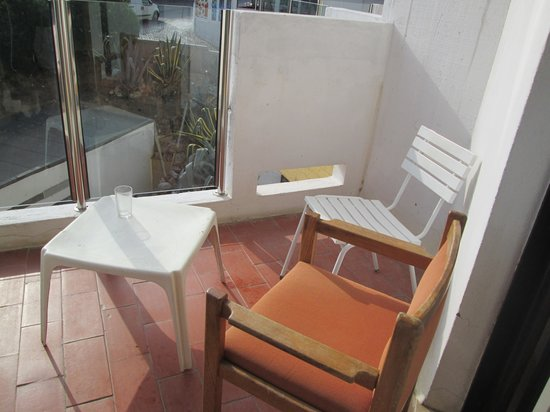 Hotel da Aldeia: not even proper outdoor furniture