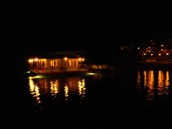 Breezy Point Resort: Fishing dock after dark