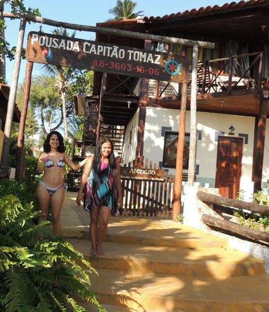 Pousada Capitao Thomaz: Acesso ao hotel pela praia