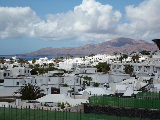 Villas Don Rafael: View to right of villa