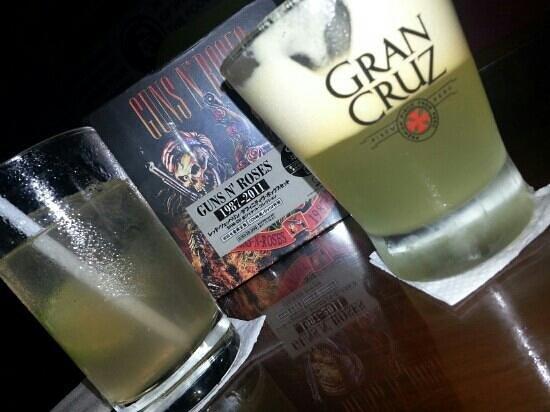Leyenda RestoBar: Drinks & Roses!