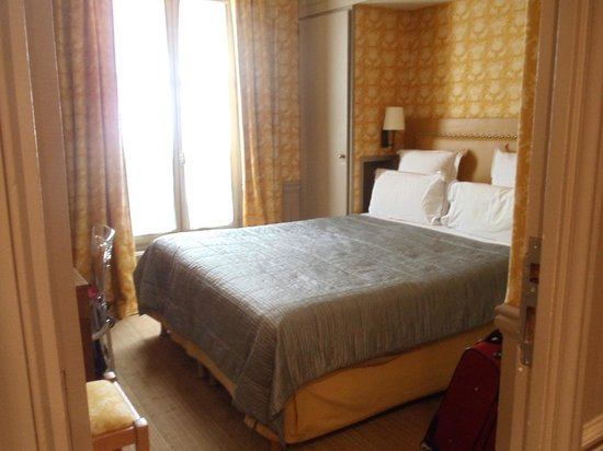 Hotel de Londres Eiffel: Bedroom
