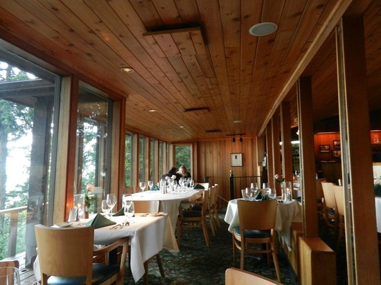 Oyster Bar on Chuckanut Drive: Inside