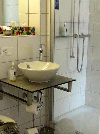 Hotel Baeren: Bathroom