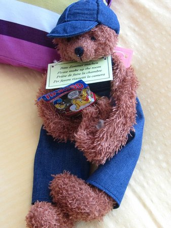 Hotel Baeren: Bear with gummy bear candy