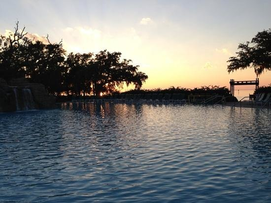 Grand Hotel Marriott Resort, Golf Club & Spa: Pool area at sunset