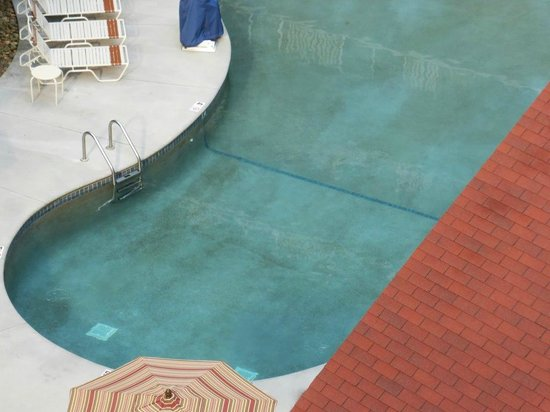 Holiday Inn Club Vacations Smoky Mountain Resort: Was tended to three hours earlier
