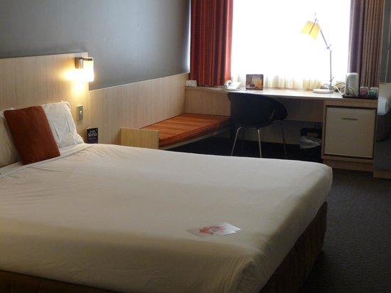 Ibis Wellington room