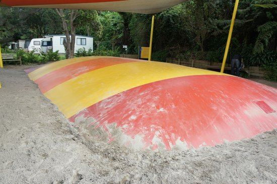 Waihi Beach Top 10 Holiday Resort: Jumping pillow