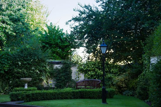 West Tower Country House Hotel: The gardens