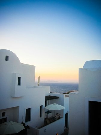 Oia's Sunset Apartments: View from room 11